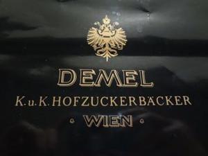 Demel_sachertorte01